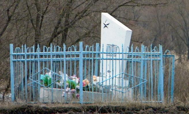 с. Михайловка Прохоровского р-на. Братская могила советских воинов.