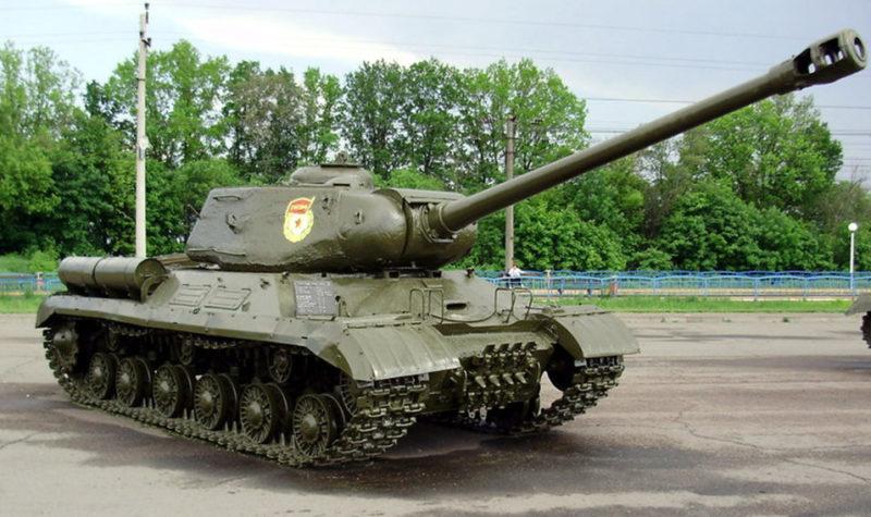 Танк ИС-2.