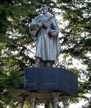 с. Ржевка Шебекинского городского округа. Памятник по улице Ленина 4, установленный на братской могиле, в которой похоронено 22 советских воина, погибших в 1943 году.
