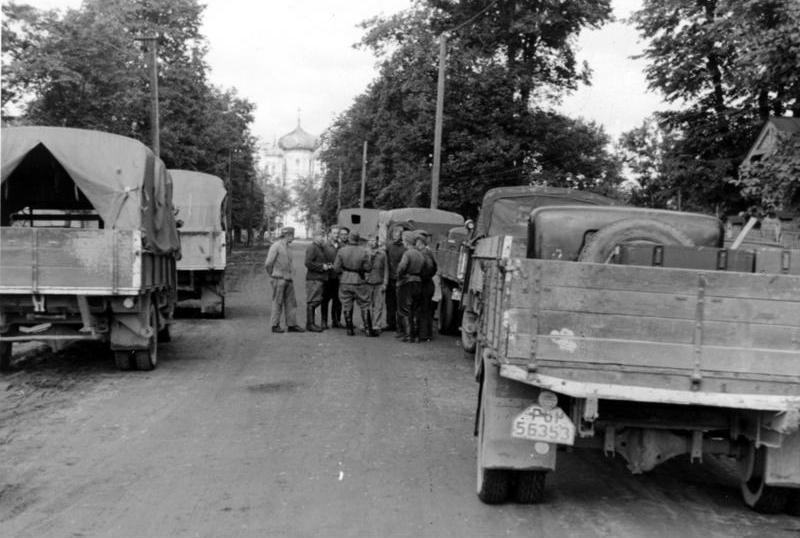 Немецкие войска под Ленинградом.