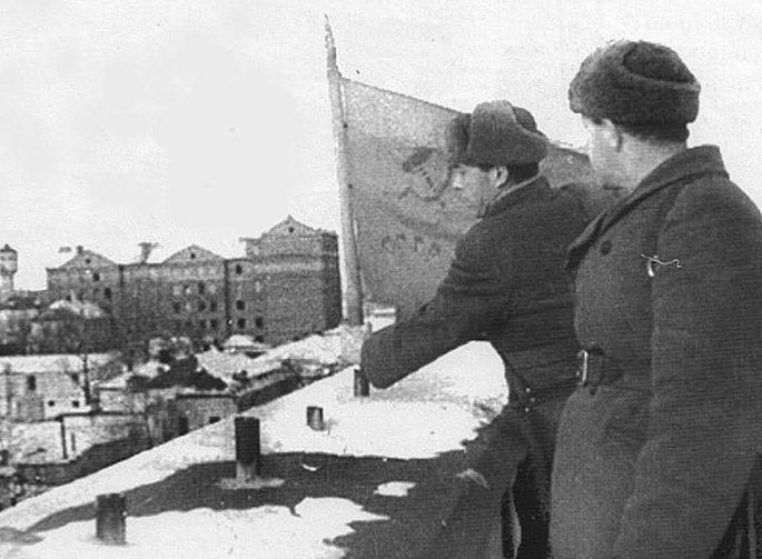 Красный флаг над Курском.