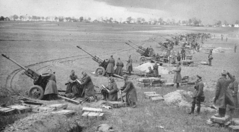Советская артподготовка в районе Зееловских высот.
