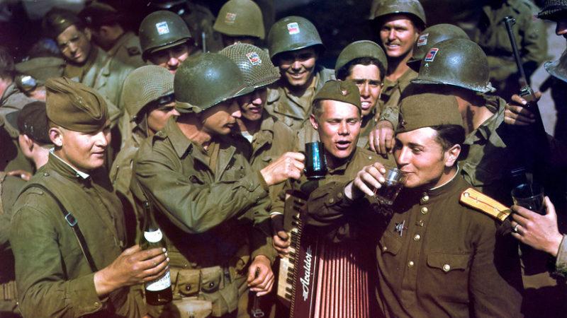 Встреча советских и американских войск на Эльбе.
