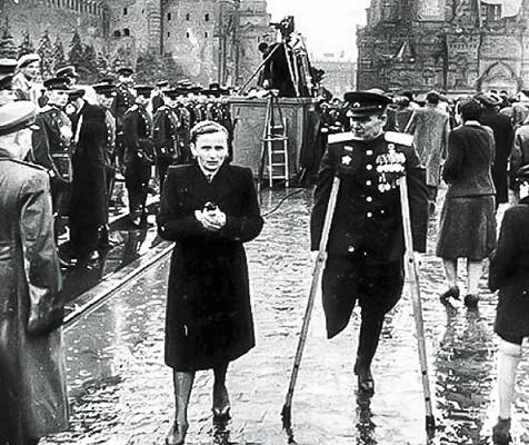Красная площадь после Парада Победы.