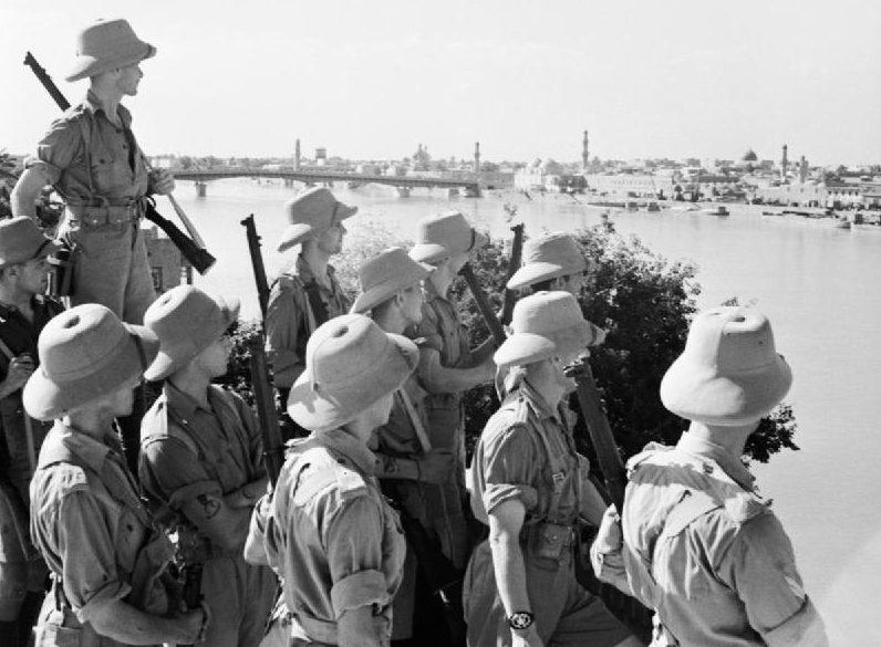 Британские солдаты в Багдаде. Июль 1941 г.