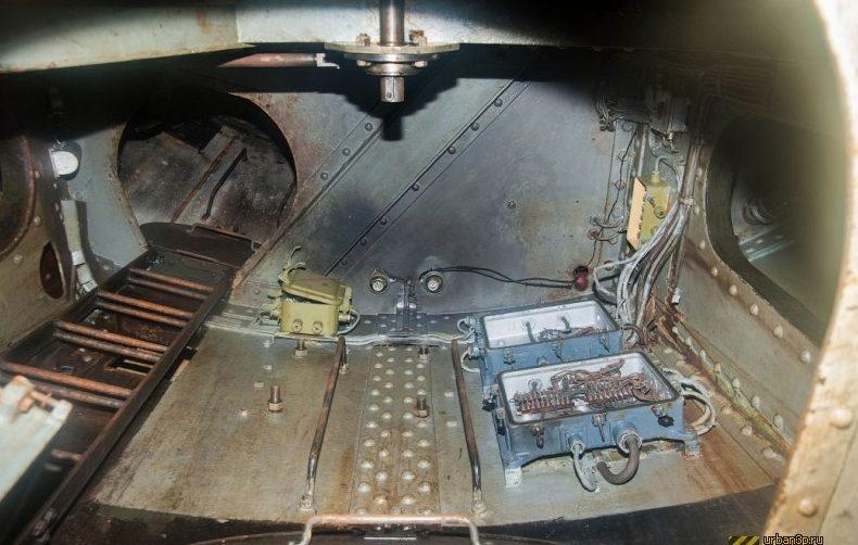 Береговая батарея снаружи и внутри.