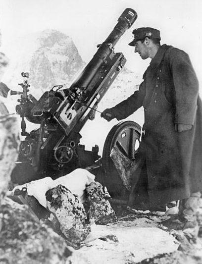 Солдаты 1-й немецкой горнострелковой дивизии на Кавказе.