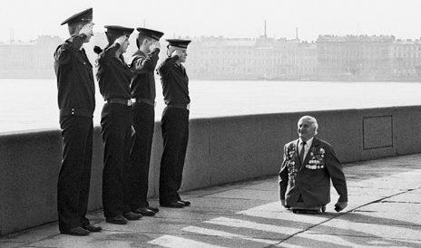 Ветеран войны на улице Ленинграда не редкое явление.