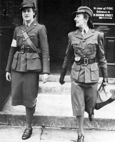 Сотрудницы МТС (Механизированный транспортный корпус). 1940 г.