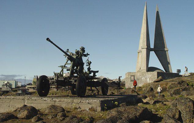 Памятник защитникам Диксона.