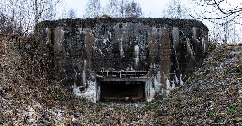 ДОТ у деревни Ельцы с амбразурным коробом НПС-3.