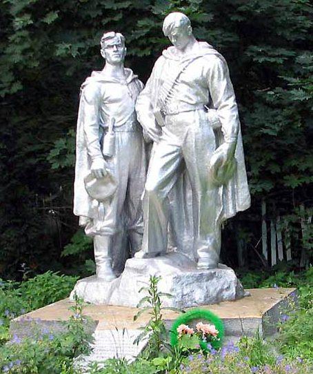 Южная скульптурная группа, 1-й участок.