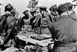 Эксгумация катынских захоронений немецкой комиссией в апреле 1943 г.