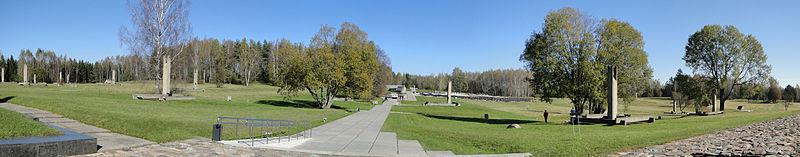 Панорама основной части мемориального комплекса «Хатынь».
