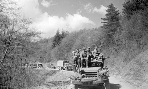 Советская военная техника на дорогах Австрии. Май 1945 г.