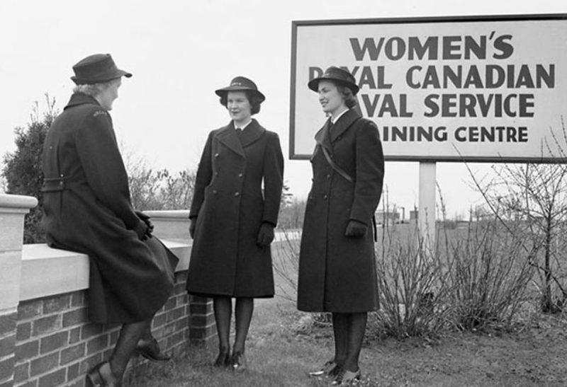 Стажеры WRCNS. Онтарио, май 1943 г.