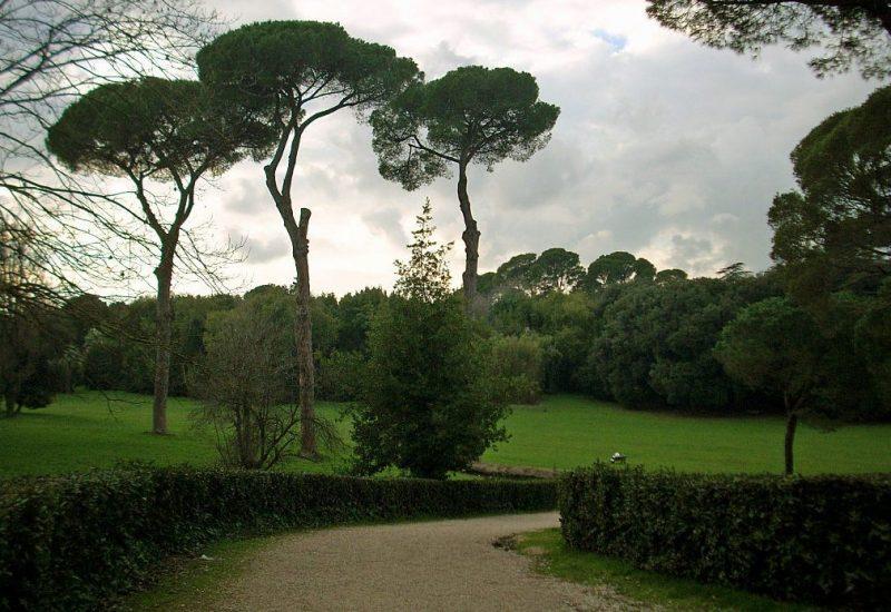 Римский парк Вилла Савойя (ныне Вилла Ада), где вечером 25 июля 1943 года Муссолини был арестован.