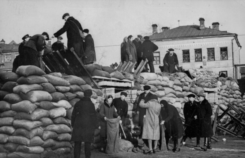 Баррикады в Москве. 1941-1942 годы.