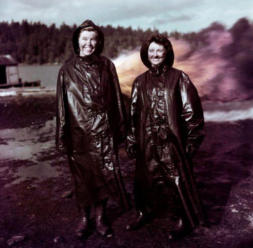 Женщины WRCNS в школе пожаротушения. Британская Колумбия, 1943 г.