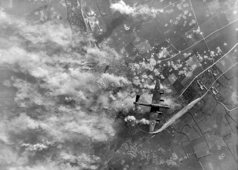 Бомбардировка стартовой площадки в Les Catelliers на севере Франции.