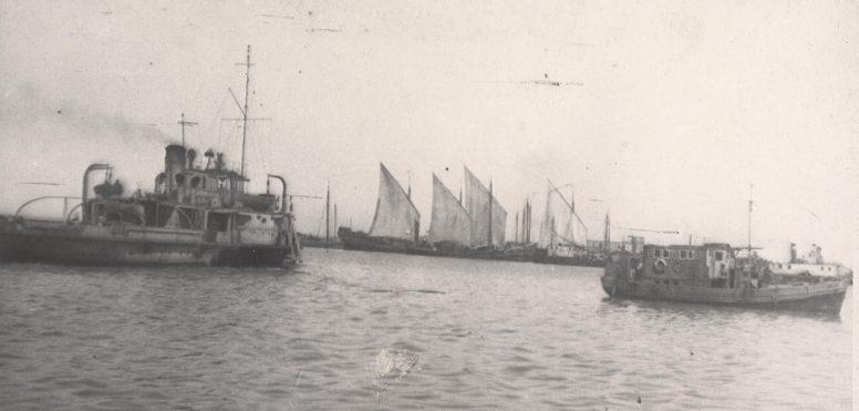 Эвакуация рыболовного флота из Астрахани в Гурьев осенью 1941 г.