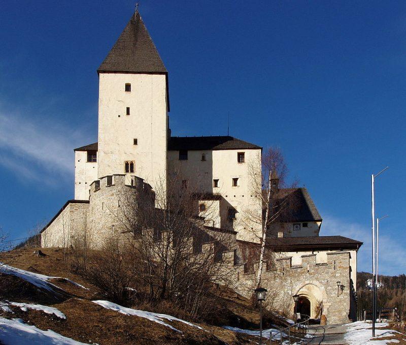 Маутерндорф – замок Геринга.