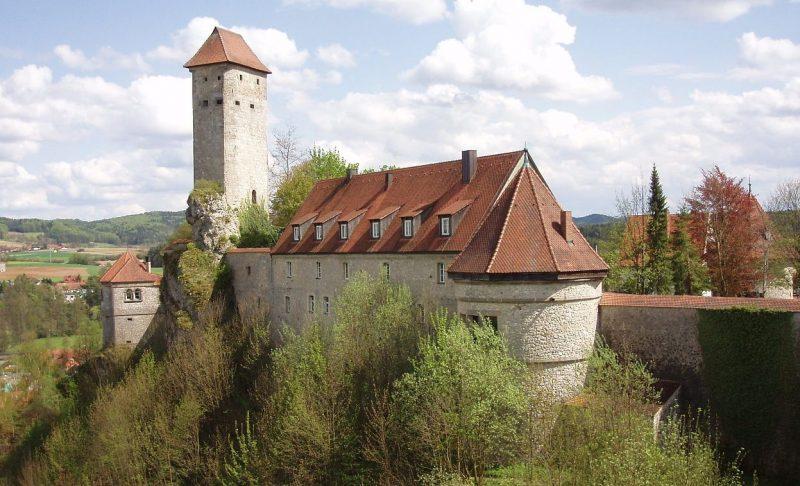 Фельденштайн (Burg Veldenstein) – второй замок Геринга.