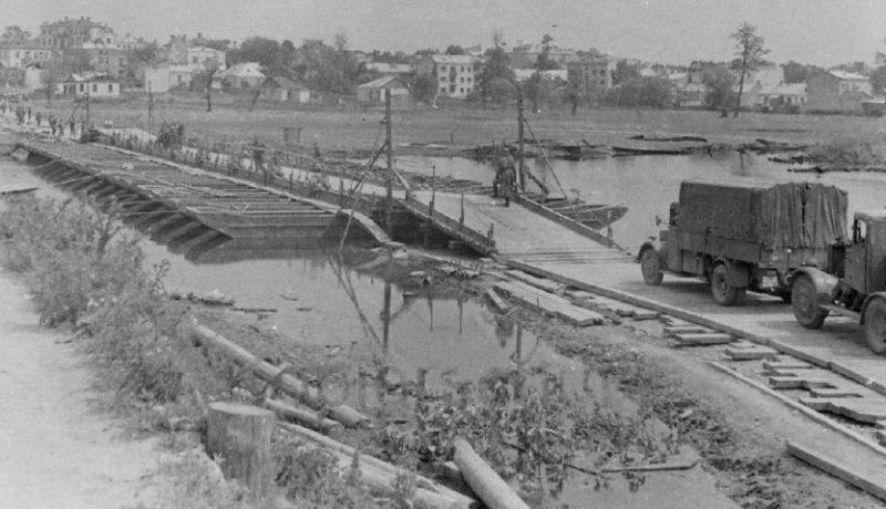 Немецкий понтонный мост. 29 июня 1941 г.