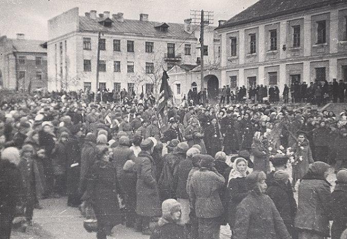 Похороны Героя Советского Союза Криворотова в Астрахани. 1943 г.