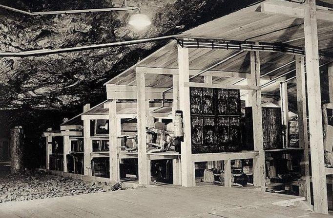 Произведения искусства в соляной шахте Альтаусзее, 1945 г.
