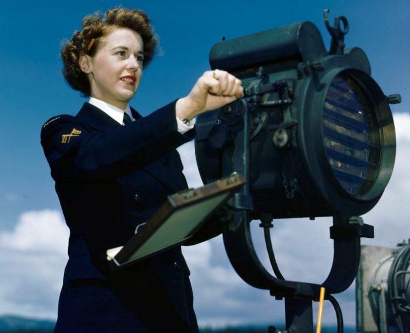 Сигнальщицы из WRCNS, Ньюфаундленд. Апрель 1945 г.