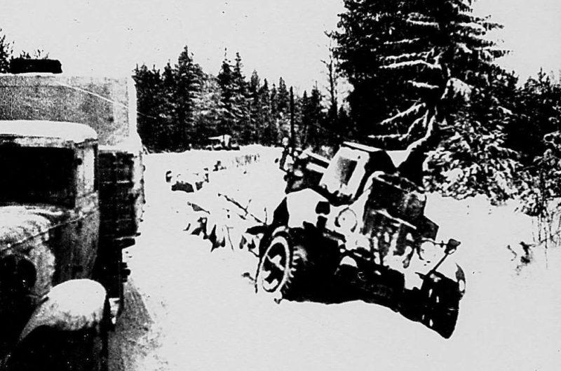 Разбитая техника под городом. Декабрь 1941 г.