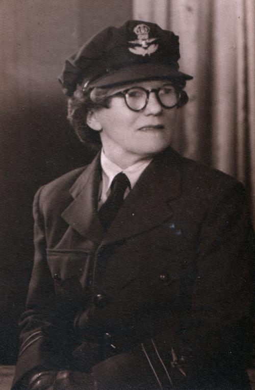 Служащая WRANS Флоренс Вайолет МакКензи. 1941 г.