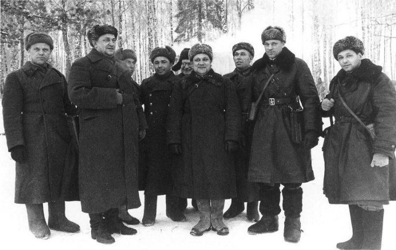 Советское командование под Тихвином. 1941 г.