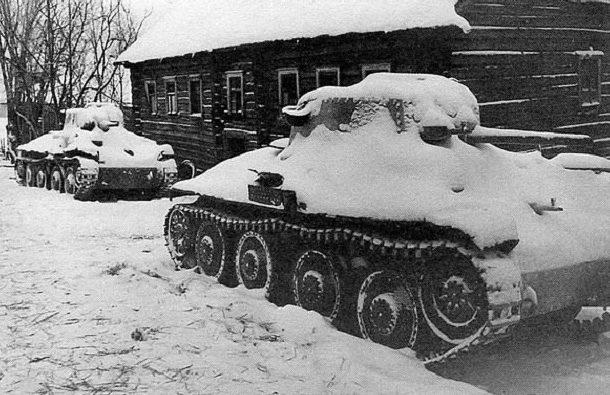 Немецкие танки, брошенные под Тихвином. Январь 1942 г.