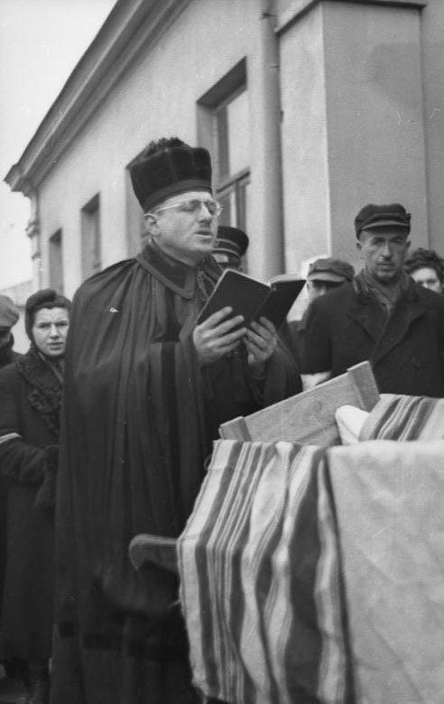 Отпевание умершего. Май 1941 г.