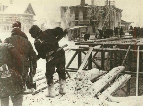 Восстановление моста через Тихвинку. Январь 1942 г.