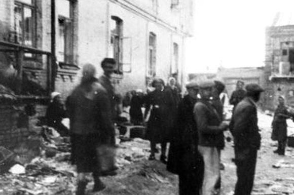 В Луцком гетто. 1941 г.