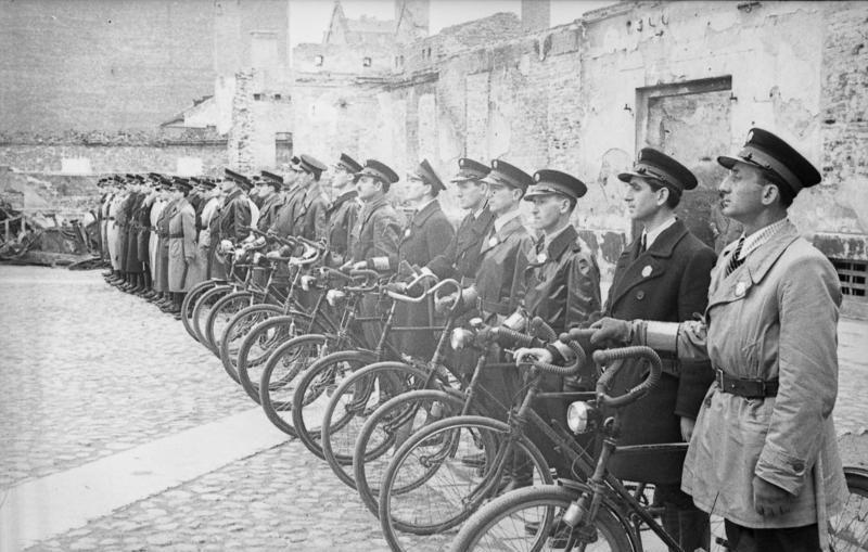 Еврейские полицейские в гетто. Май 1941 г.