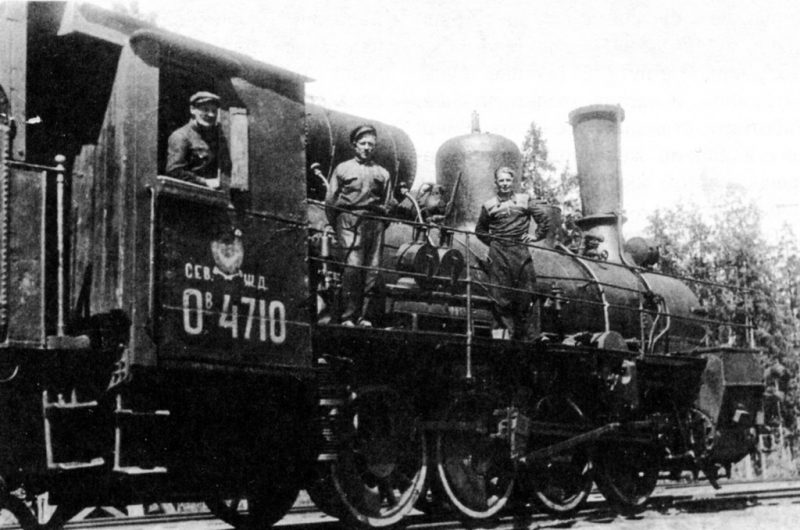 Паровоз «Овечка» в Тихвине. 1942 г.