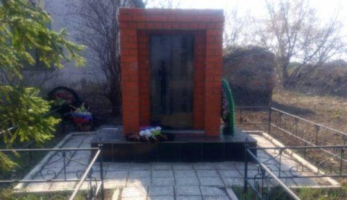 д. Николаевка Ефремовского городского округа. Памятник, установленный на братской могиле советских воинов, погибших в годы войны.