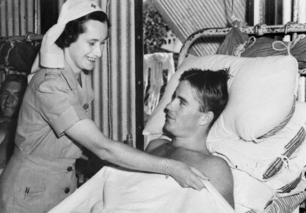Медсестра из AAMWS в госпитале Дарвина. Июнь 1943 г.