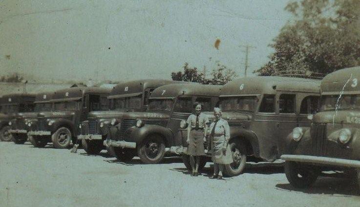 Водители автобусов WNEL. 1943 г.
