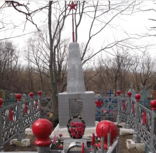 д. Гранки Кимовского р-на. Памятник, установленный на братской могиле, в которой похоронены советские воины, погибшие в годы войны.