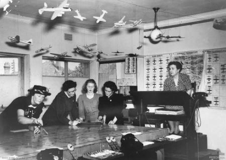 Члены VAOC в Оранже. Новый Южный Уэльс, ноябрь 1944 г.