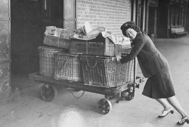 Женщина-железнодорожник. Виктория 1944 г.