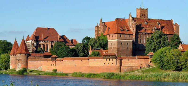 Замок Мариенбург – служил резиденцией великого магистра Тевтонского ордена.