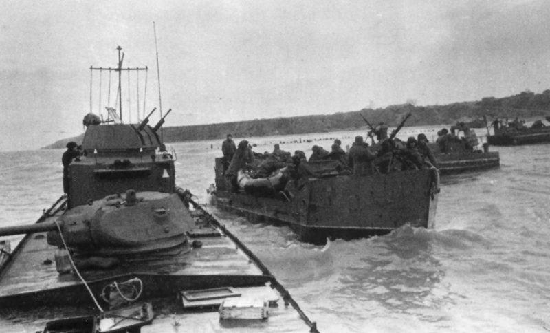 Бронекатера и тендеры Азовской военной флотилии, подготовка к десанту.