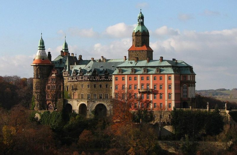 Замок Ксёнж - третий по величине в Польше.