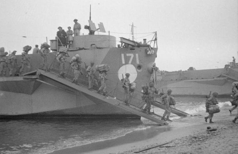 Высадка британского десанта.